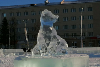 Лед оживает в руках скульпторов